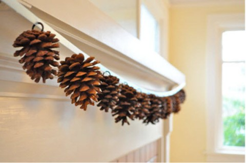 christmas-decorating-idea-pinecones