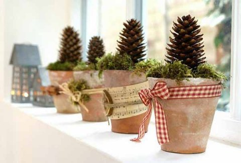 christmas-decoration-pine-cones-window-decorations-3