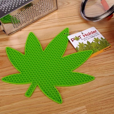 pot holder weed leaf trivet