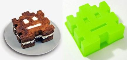Arcade Cake Mold