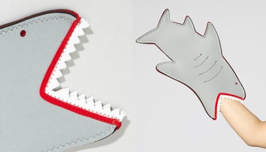 Shark-Bite-Oven-Mitt