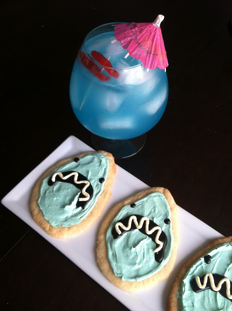 Shark-Infested-Waters-Cocktail-and-Cookies