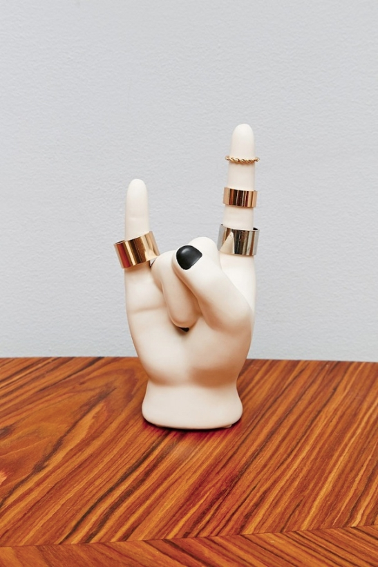 Rock-On-Hand-Ring-Holder
