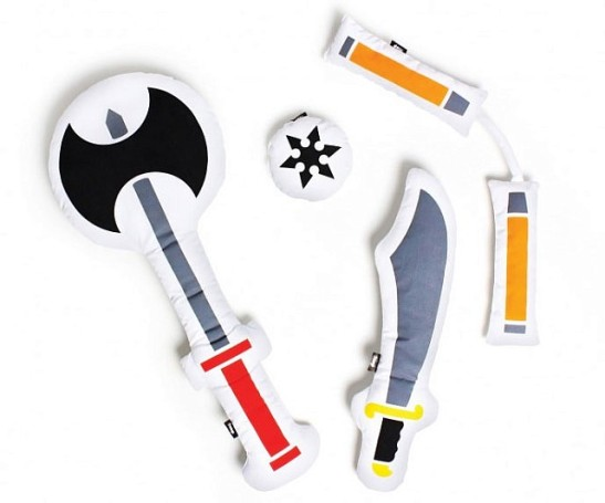 pillow-fighting-weapons-640x533