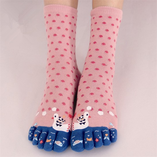 polka-dot-toe-socks-women-panda-printed-socks-69152