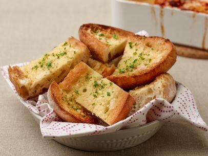 tm1a14f_garlic-bread_s4x3-jpg-rend-sni12col-landscape